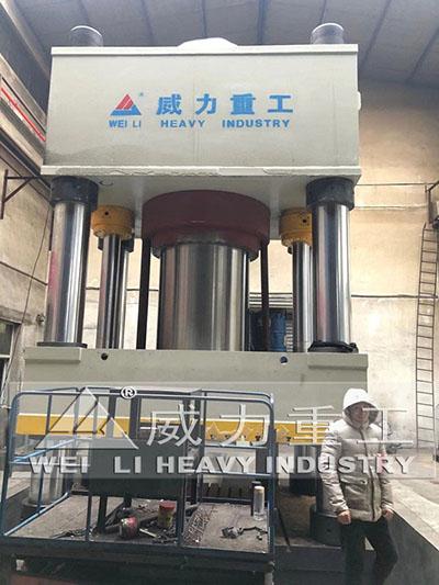 4000吨三梁四柱液压机